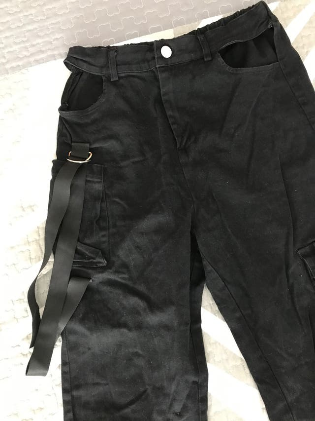 Pantalones cargo largos de Shein.