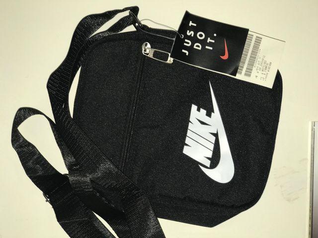 Nike bandolera