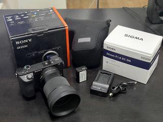 Camara Sony A6500 + Sigma 30mm F.14 + Accesorios