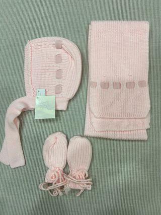 Conjunto de capota,bufanda y manoplas