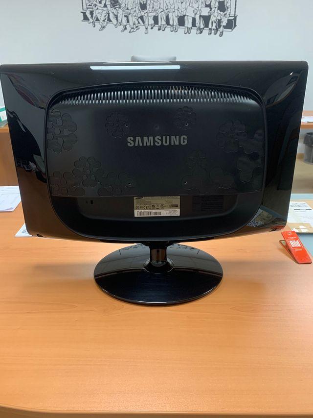ORDENADOR HP + Monitor Samsung 22