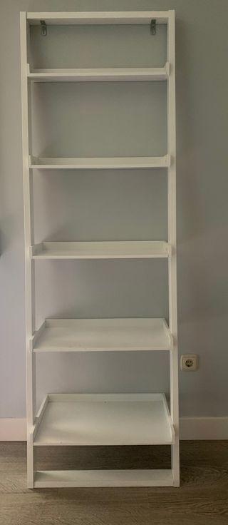 Estanteria blanca tipo escalera