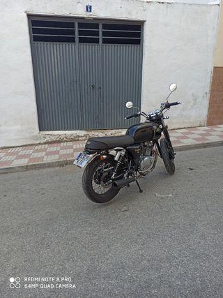 mash black seven 125cc , cafe racer