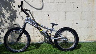 Bicicleta de trial; Monty