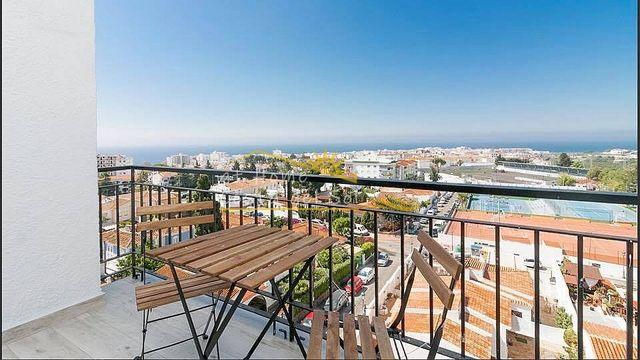 PRECIOSO PISO EN NERJA CON PISCINA (Nerja, Málaga)