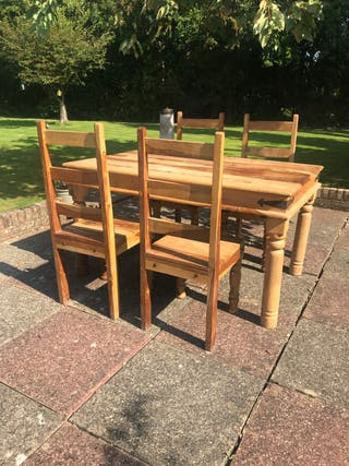 Table and 4 or 6 Chairs