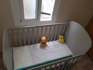 Cuna para bebe + Colchón + almohada + Protector