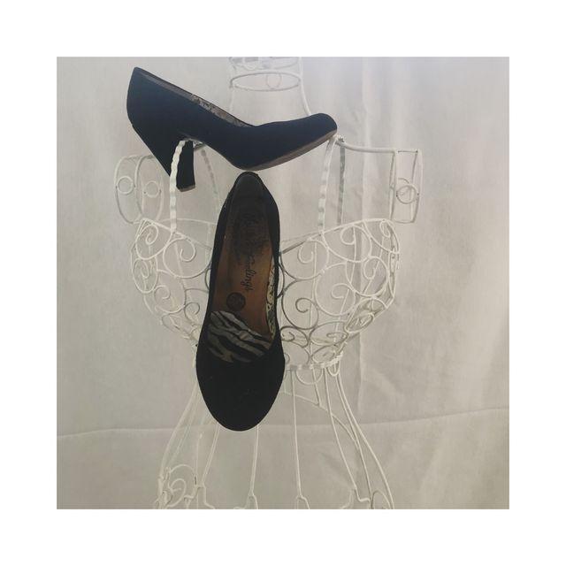 Zapato tacón de ante negro