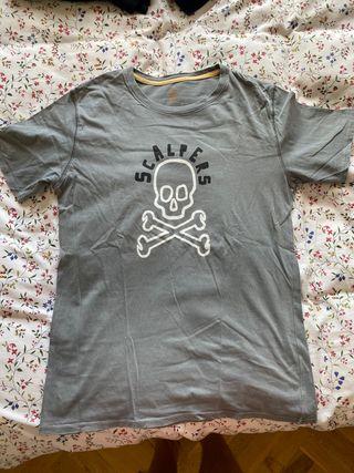 Camiseta gris Scalpers