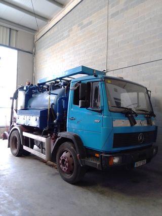 Camión de Desatoros