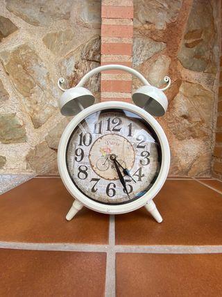 Reloj blanco decoracion