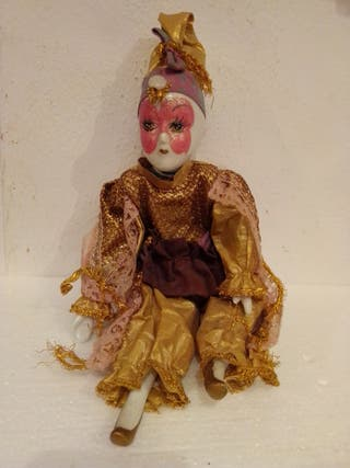muñeca arlequín