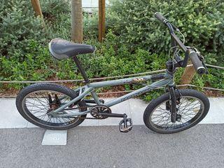"""Bici BMX Decathlon rueda 20"""" con rotor 360 grados"""