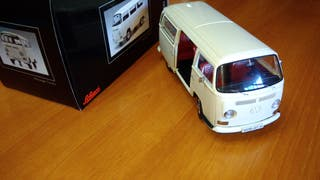 VW T2 BUS 1:18 SCHUCO