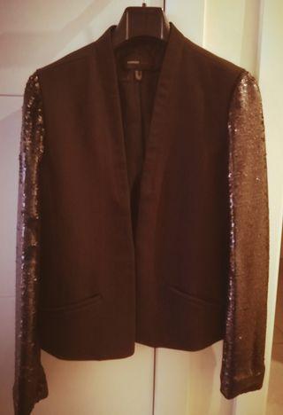 chaqueta negra fiesta
