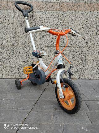 Bicicleta infantil. Ruedas de 12 pulgadas antipinc