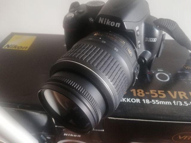 Nikon D3000 Reflex digital, objetivo 18-55, usada
