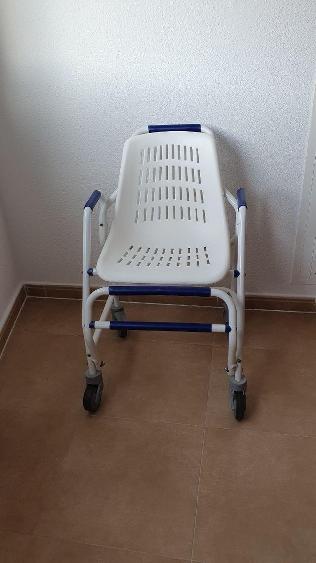 silla Obea ortopédica para ducha y aseo personal
