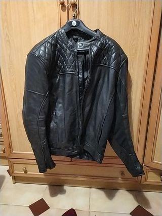 Nueva chaqueta cuero moto