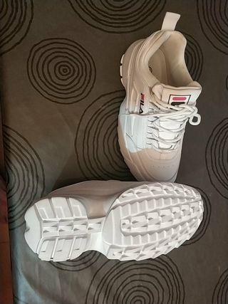 Zapatillas niña Fila blancas nuevas