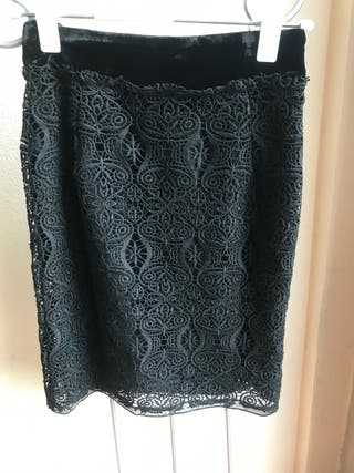 Falda de Encaje Negra de Zara