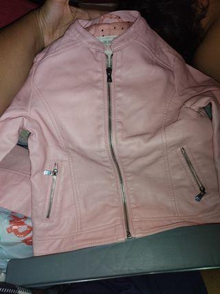 chaqueta de cuero rosa niña