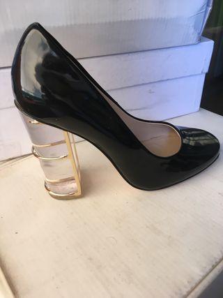 Zapatos charol tacón transparente T 37
