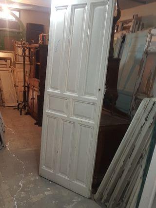 puerta de paso antigua