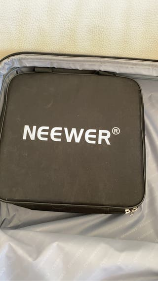 Foco LED NEEWER.