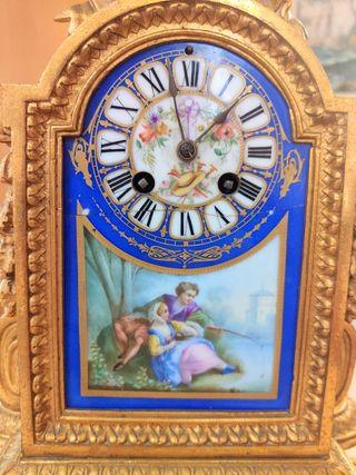 reloj antiguo de pendulo funciona