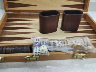 backgammon. esta nuevo, sin usar.