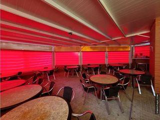 Traspaso de bar con gran terraza en Sant Boi