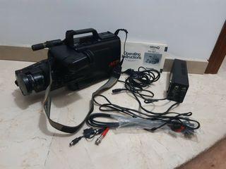 cámara de video Panasonic VHS movie NV-M70