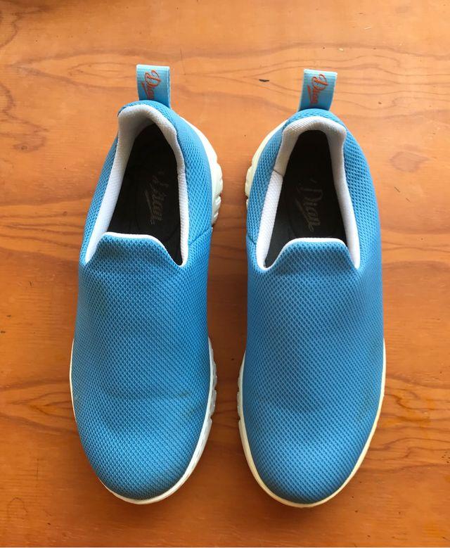 Zapatos de trabajo del 38. Marca Dian
