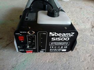 Máquina de humo beamZ s1500.