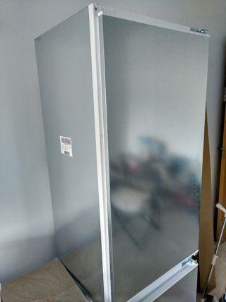 NUEVO A ESTRENAR!!!650€!Nevera + congelador Bosch.