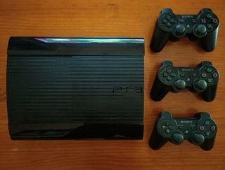 Consola PS3 Super Slim 111GB + 3 mandos