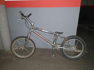 Bici de trial Monty - Megamo