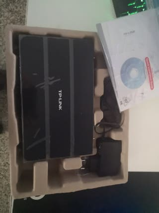 Router TP-Link TD-W8970