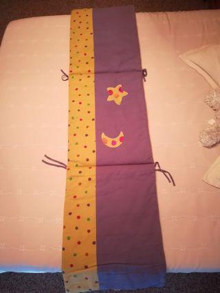 juego de cuna, minicuna, cambiador, bolso, toalla.