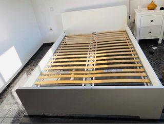 Estructura de cama doble. IKEA Askvoll
