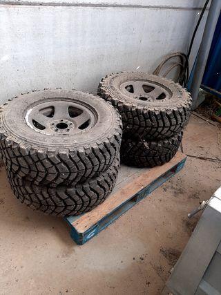 Llantas y ruedas de tacos 4x4