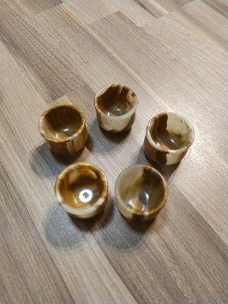 Juego de 5 vasitos de piedra