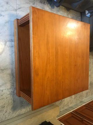 Mesa central y auxiliar de madera de pino
