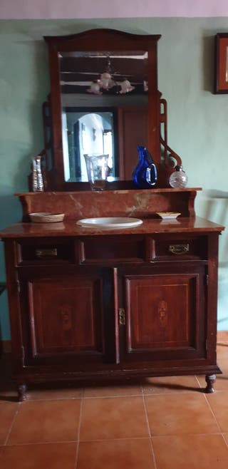 Mueble lavabo antiguo