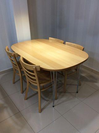 Mesa de haya con 4 sillas a juego 140x90