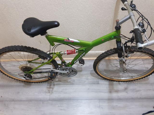 Large Apollo full mountain bike with lock