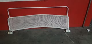 Barrera de cama.