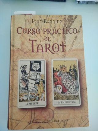Curso práctico de tarot . 167 pag