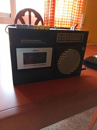 Radio cassette antiguo.